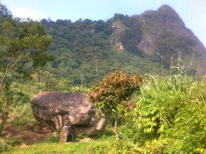 Kaki Gunung Batu